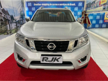 Nissan Frontier LE AT 4X4 - 17/17