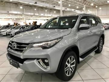 Toyota Hilux SW4  SRX  - 18/18